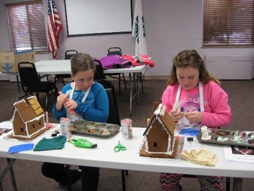 Gingerbread Houses in the Making 0081