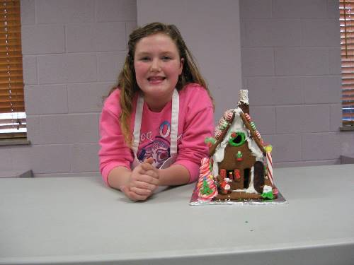 Finished Gingerbread House 0089