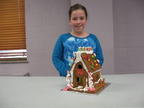 Finished Gingerbread House 0091