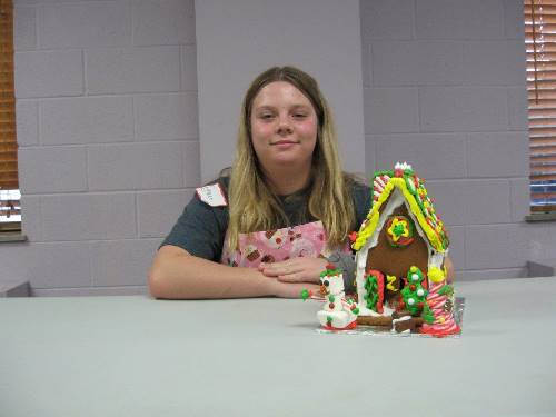 Finished Gingerbread House 0093