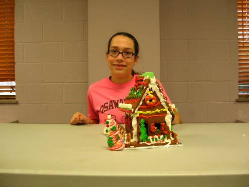 Finished Gingerbread House 0095