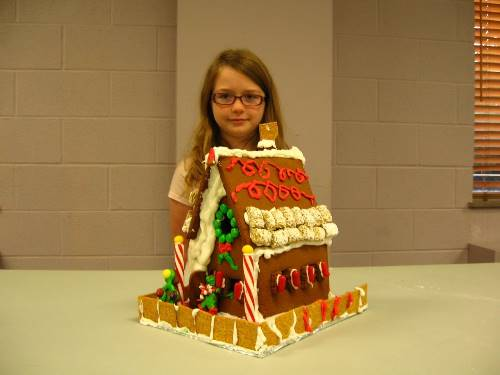 Finished Gingerbread House 0098