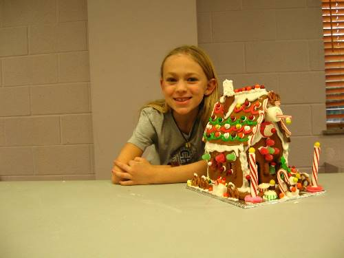 Finished Gingerbread House 0100